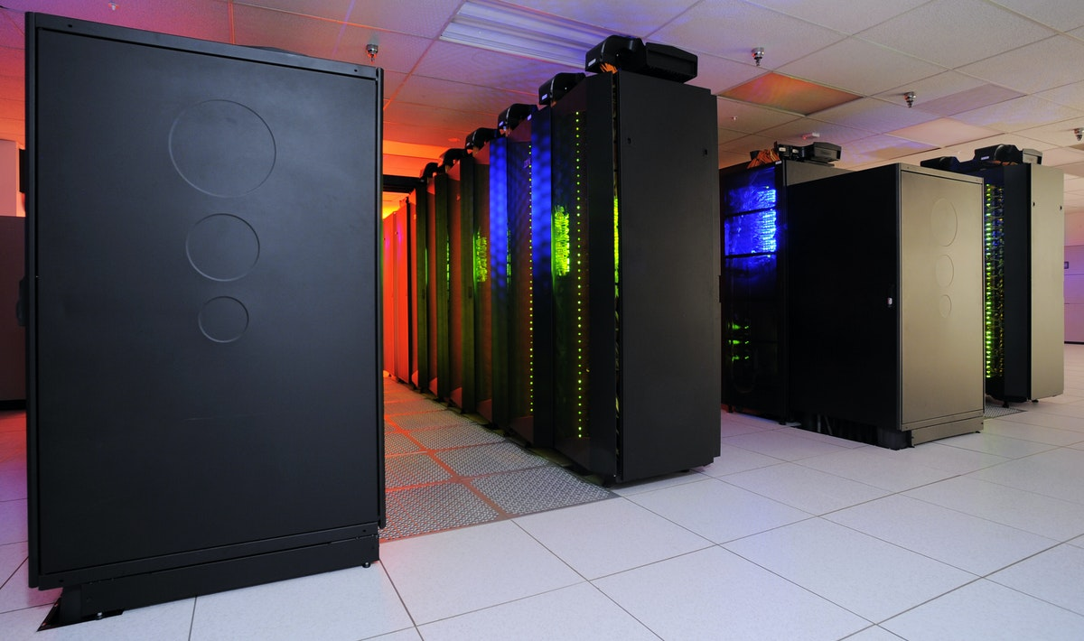 Data Warehouse vs. Data Mining: The Main Differences
